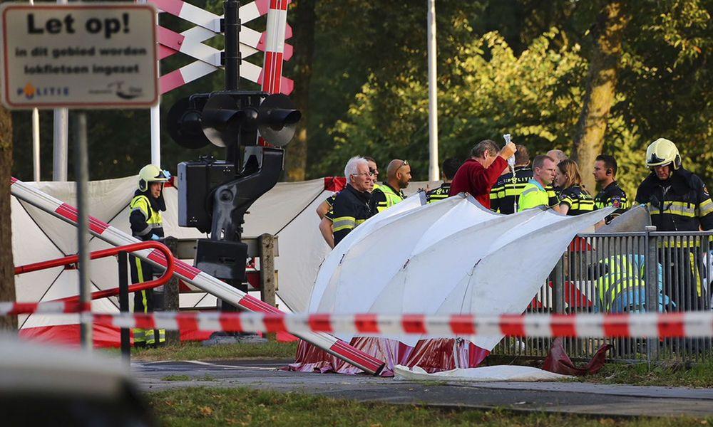 Zug kollidierte in den Niederlanden mit Fahrrad: Vier Kinder