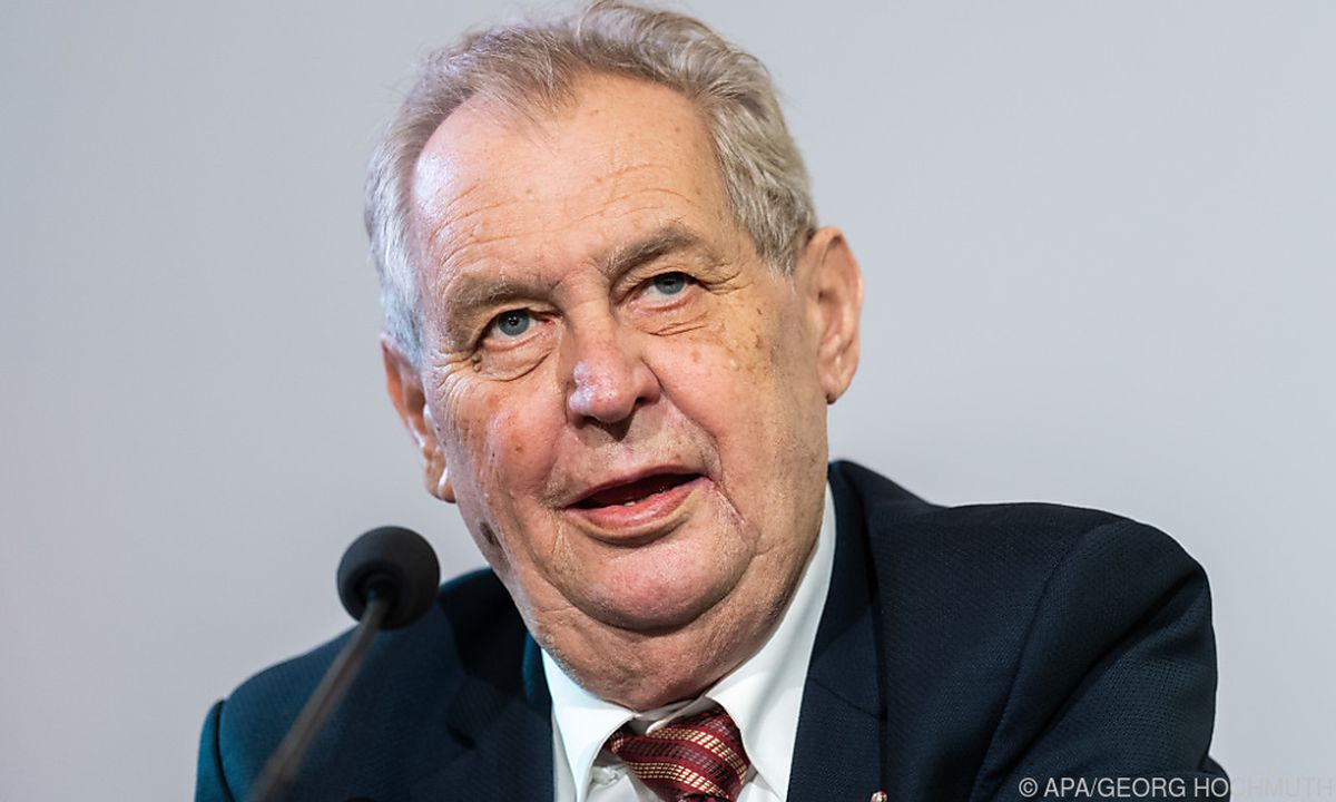 Tschechiens Präsident Zeman nach Wahl auf Intensivstation