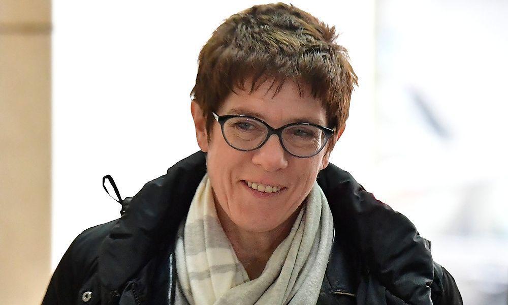 Merkel-Nachfolgerin? Kanzlerin holt sich neue Generalsekretärin nach Berlin