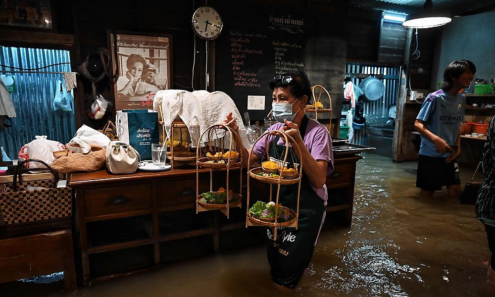 Thailand: Hochwasser-Lokal wird zum Renner