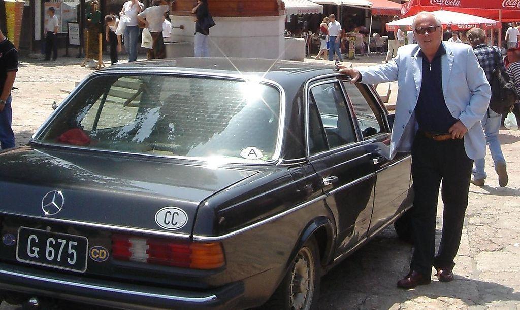 Rarität: Auch Diebe fahren auf alte schwarze Kennzeichen ab ...