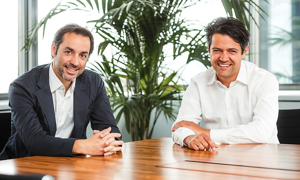 Marc Schimpel (l.) und Bernhard Perner, Geschäftsführer der staatlichen Covid-19 Finanzierungsagentur COFAG