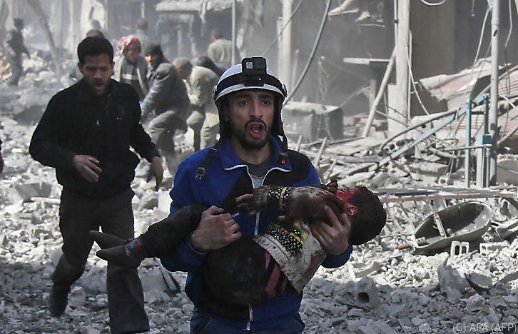 Fast 100 Zivilisten bei Luftangriffen in Syrien getötet