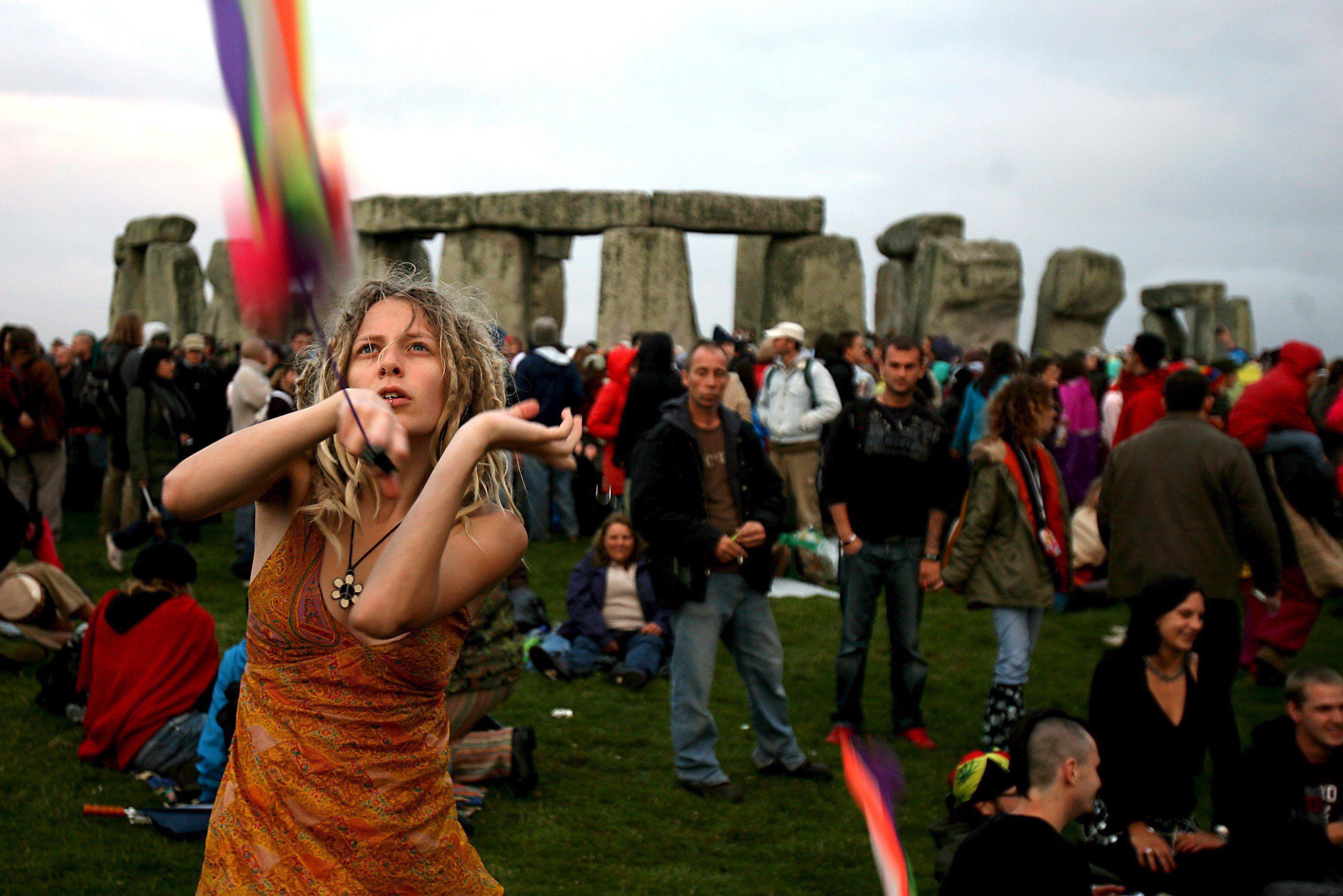 Jedes Jahr feiern Tausende die Sommersonnenwende bei Stonehenge