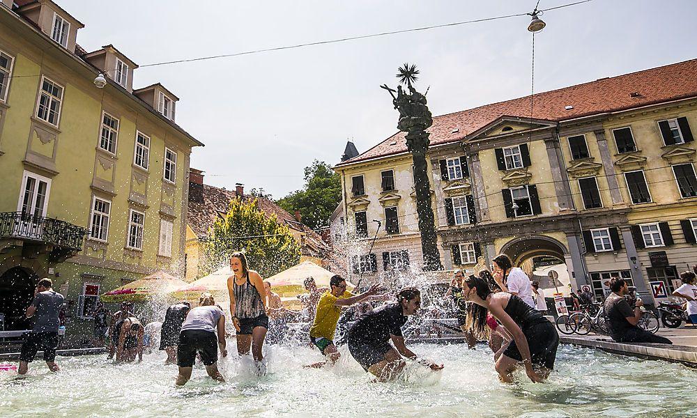 ÖVP und FPÖ öffnen Eventzone Karmeliterplatz, Grüne sind entsetzt