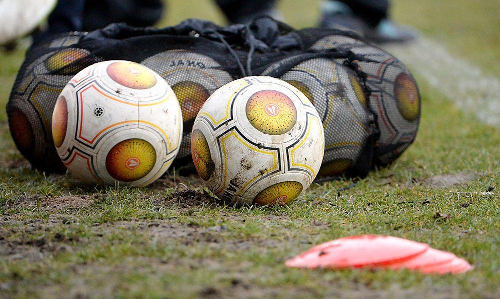 Montag wird entschieden, ob der Fußball wieder rollt