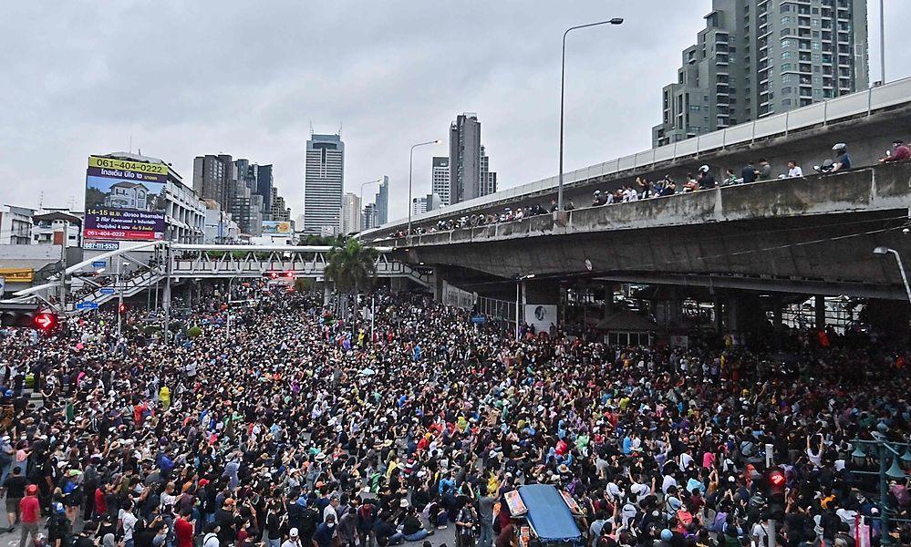 Bangkok: Über 20.000 Menschen protestieren