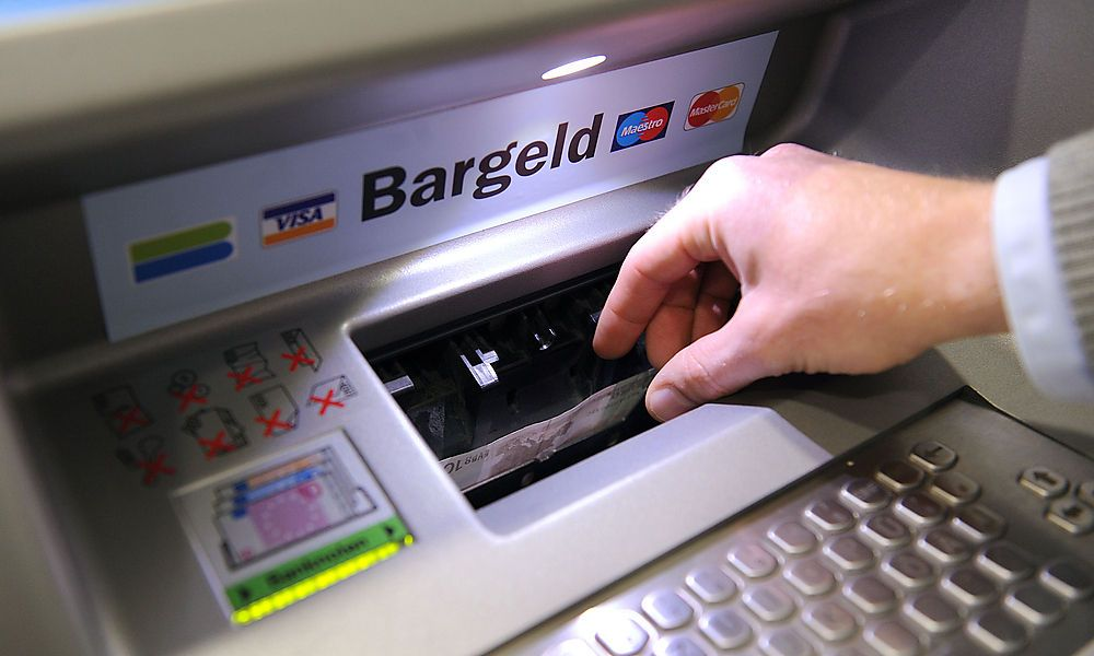 Idee kam in der Badewanne: Seit 50 Jahren gibt es Bankomaten
