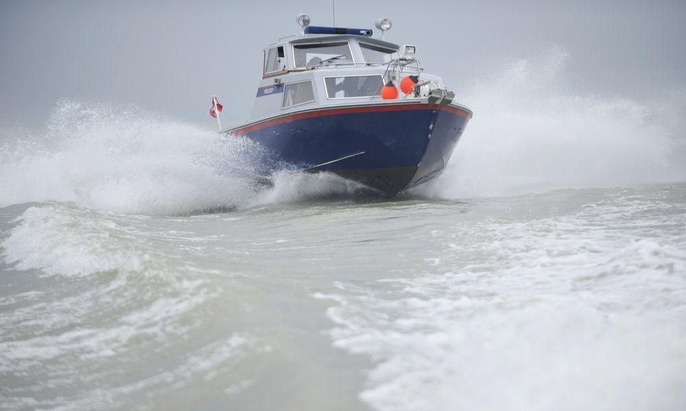 Schlauchboot in Seenot: Polizeieinsatz