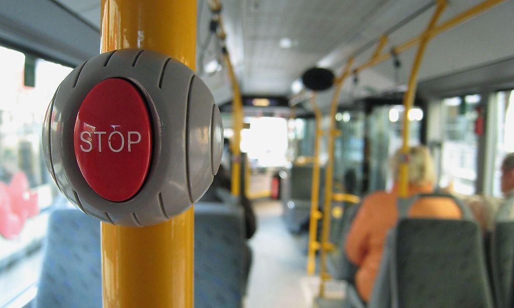 Bus-Unfall: 65-Jährige hob von ihrem Sitz ab