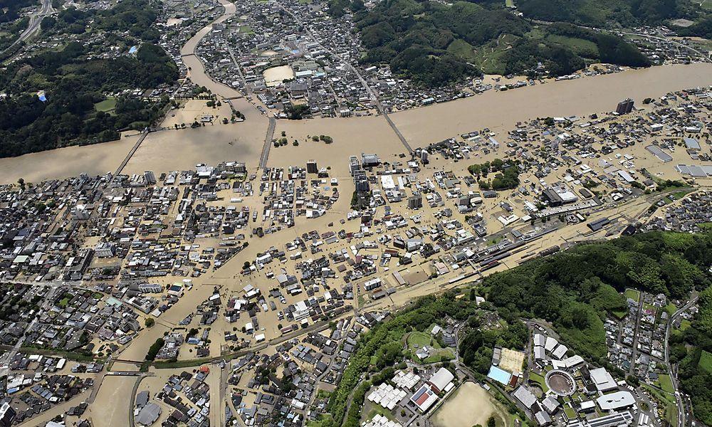Japan: Hunderttausende von Starkregen betroffen