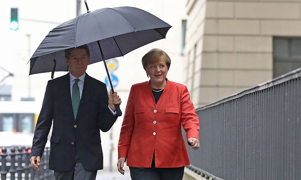 Erdrutsch: Merkel gewinnt - aber mit schweren Verlusten