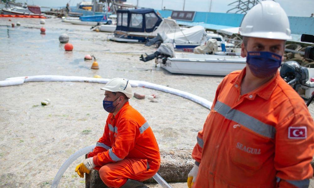 Algenplage im Marmarameer