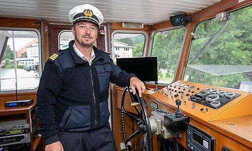 Er ist der Kapitän des neuen Schiffs am Ossiacher See