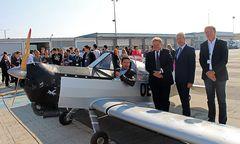 Pilot Rainer Hartmut, Wolfgang Malik, Franz Borotschnig, Gerhard Widmann / Bild: Flughafen Graz