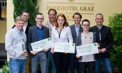 """Erster Schritt für angehende Jungsommeliers in Graz: der Workshop """"Wein kennenlernen"""". Von links: Zach, Kollegger, Rauch, Bergler, Resch, Schäffer, Prosek, Vogel / Bild: k"""