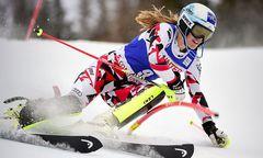 Die Kärntner, wie hier am Foto Carmen Thalmann, fahren im Ski-Weltcup ganz vorne mit / Bild: APA/AFP/OLIVIER MORIN