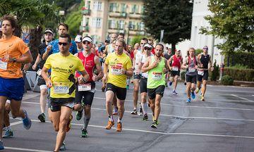Halbmarathon - Gruppenfotos - Startnummern 2400 bis 21000 / Bild: Helmuth Weichselbraun