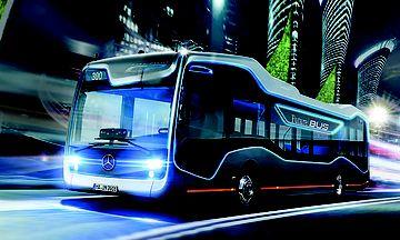 Dieser Bus von Mercedes kann ohne Fahrer auf der Straße unterwegs sein. Noch fehlt die Zulassung, trotzdem kann er heute in Pörtschach besichtigt werden / Bild: KK/Mercedes-Benz