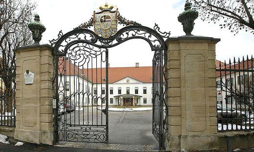 Das Tor zur Bischöflichen Residenz in Klagenfurt ist für den neuen Bischof offen