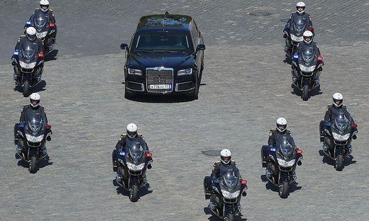 Putin protzt mit russischer Edelkarosse - Mercedes abgelöst