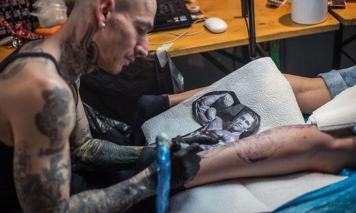 Gepierct Und Tatowiert Spruche 1001 Oberarm Und Unterarm Tattoo