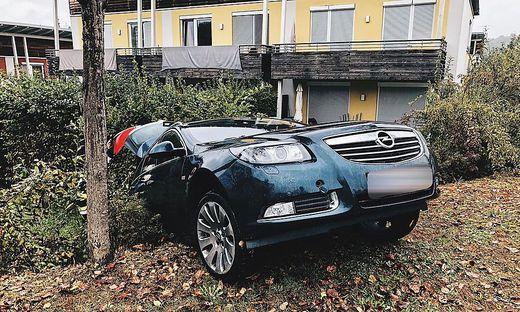 Mittels Seilwinde wurde das Auto geborgen