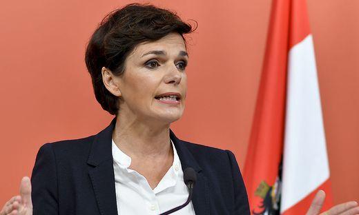 Fordert unbürokratische Entschädigungen für betroffene Unternehmen: SPÖ-Chefin Pamela Rendi-Wagner
