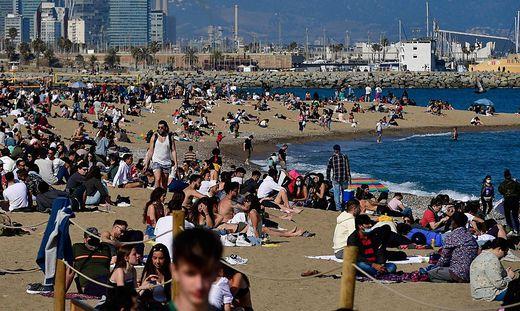 Spanien bangt um seinen Sommertourismus