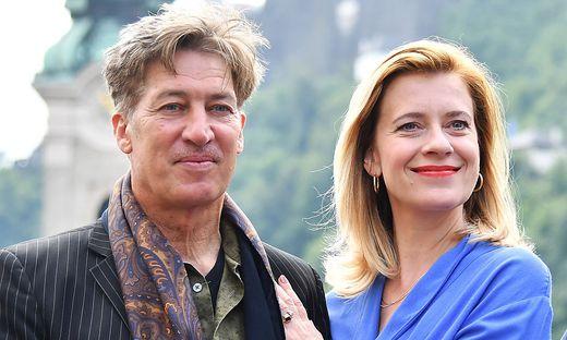 """Tobias Moretti und Caroline Peters auf Mindestdistanz: """"Wir dürfen ja. Wir sind die rote Gruppe"""""""