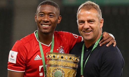 David Alaba mit Bayern-Trainer Hansi Flick