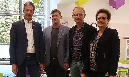 Bürgermeister Fritz Kratzer, Philip Hiden, Thomas Feichtenhofer und Monika Vukelic-Auer