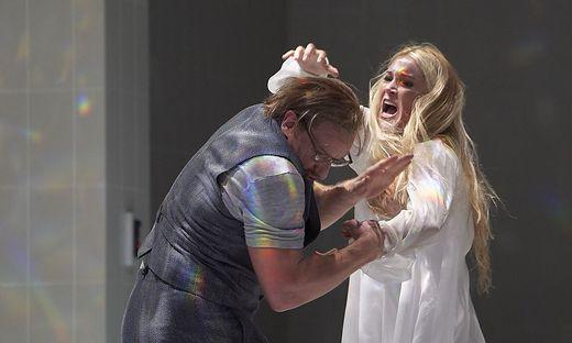 Maria Bengtsson (Rusalka), Günther Groissböck (Wassermann) im Theater an der Wien