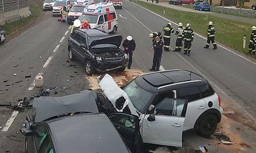 Großeinsatz am Unfallort