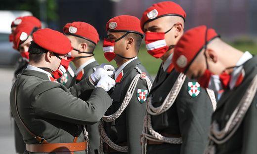 75 JAHRE ZWEITE REPUBLIK: BUNDESHEER-SOLDATEN AM WIENER HELDENPLATZ