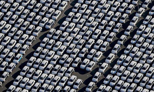 Auto - BMW will Elektromodelle schneller auf die Straße bringen