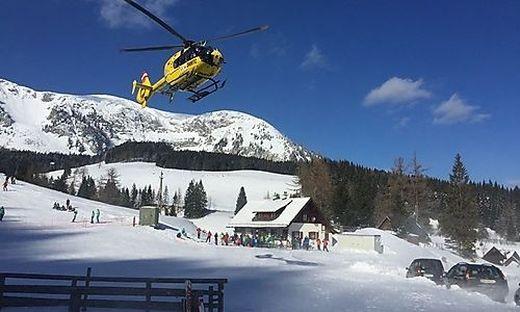 Der Rettungshubschrauber C15 brachte die 14-Jährige nach Graz zur Kinderchirurgie