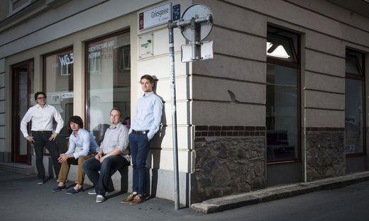 studio WG3: Reschreiter, Gumhalter, Erjavec und Ries vor ihrer Zentrale in der Grazer Griesgasse