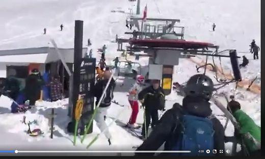 Skilift rast ungebremst ins Tal - Menschen aus Sesseln geschleudert