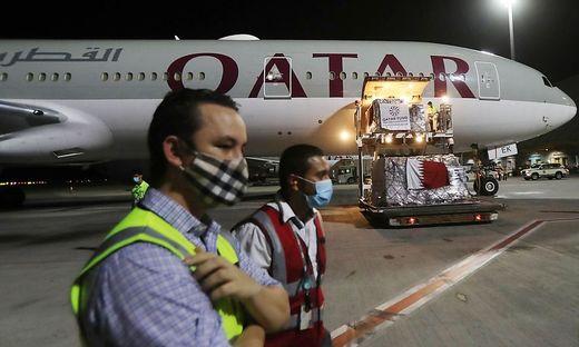 Mehrere Flugreisende waren Anfang des Monats aus einer Maschine von Qatar Airways geholt und auf Anzeichen für eine kürzlich erfolgte Niederkunft untersucht worden