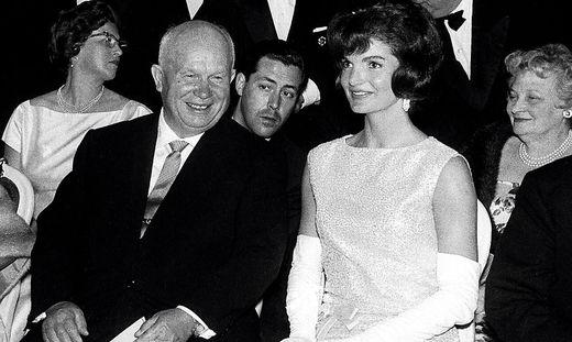 Jackie Kennedy und Nikita Chruschtschow