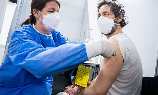 Corona-Impfung (Sujetfoto)