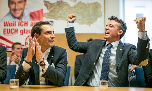 In Siegerpose bei der Nationalratswahl 2013: Christian Ragger (links) und Gernot Darmann