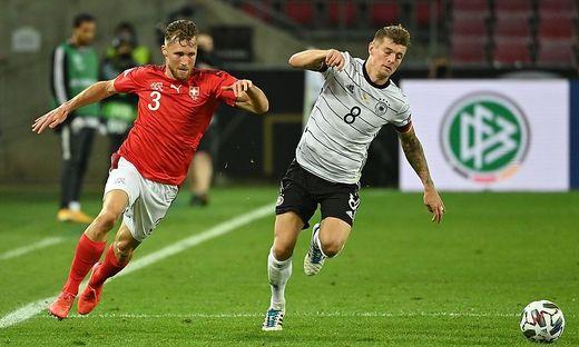 Toni Kroos (rechts) spielte zum 100. Mal für das DFB-Team