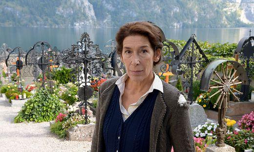 Adele Neuhauser, Vier Frauen und ein Todesfall