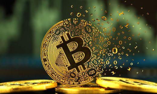 Im Zuge des Aufstiegs von Bitcoin und Co haben sich neue Betrugsmaschen entwickelt. Versprochen werden extreme Renditen, vor allem wenn man Freunde anwirbt