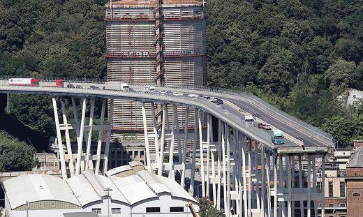 Die Brücke wurde zwischen 1963 und 1967 gebaut