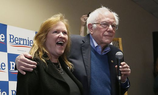 Bernie Sanders und seine Frau Jane O'Meara Sanders