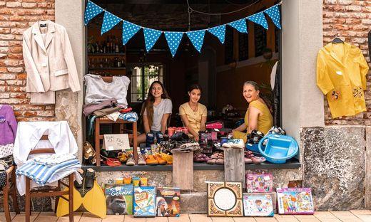 An vielen Orten in der Stadt wurden heute Second-Hand-Schätze angeboten