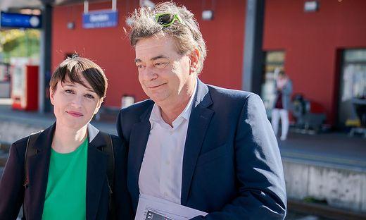 Wahlsieger Werner Kogler wurde ohne Gegenstimme an die Spitze des Grünen Klubs gewählt, Sigrid Maurer ist seine Stellvertreterin